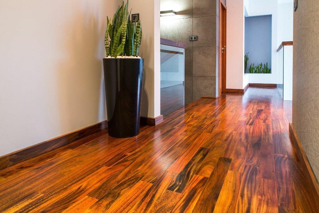 Podłoga z drewna egzotycznego Denya
