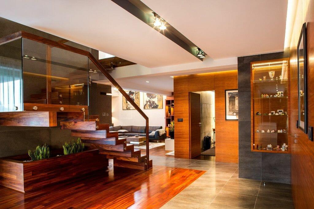 Luksusowy hol w drewnie - Viva Design