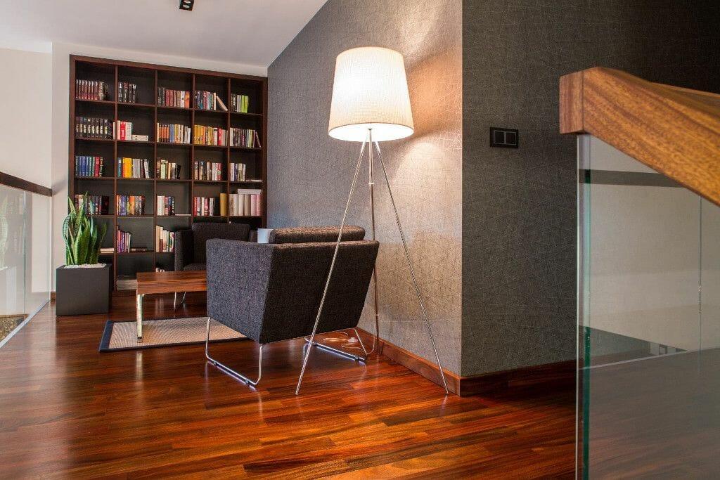 Biblioteka na antresoli - Viva Design
