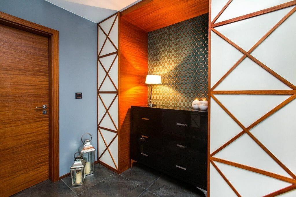 Oryginalna szafa na zamówienie w holu- Viva Design