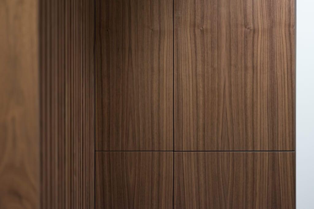 Meble fornirowane apartament pod klucz Jarosław, Projekt: Pracownia Projektowania Wnętrz Viva Design, Fot. Przemysław Kuciński, projektowanie wnętrz, Rzeszów, projektant wnetrz, Krakow, Warszawa, Rzeszow